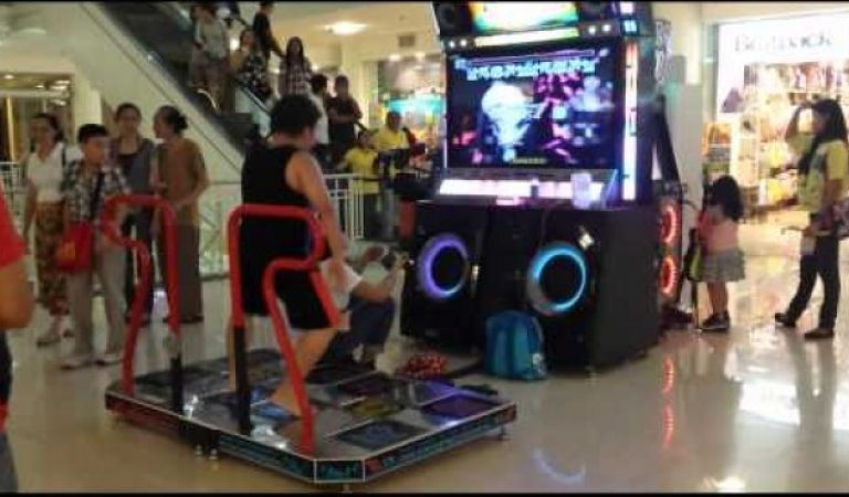 Epic Dance Dance Revolution in Ayala Mall Cebu Philippines