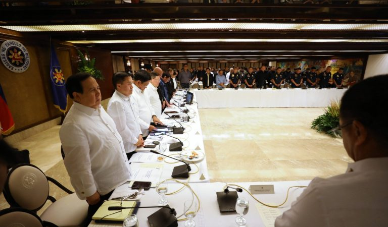 Pres. Duterte Presides Over Joint AFP-PNP Meeting [IN PHOTOS]