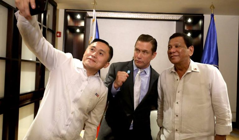 Pres. Duterte Meets with Hollywood Actor Stephen Baldwin [IN PHOTOS]