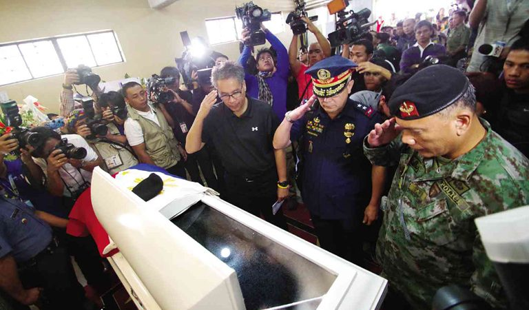 PNP assures continuous aid for SAF 44 kin