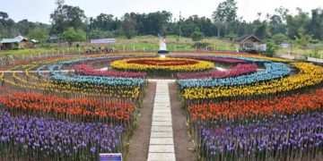Basilan turns trashes to tulips