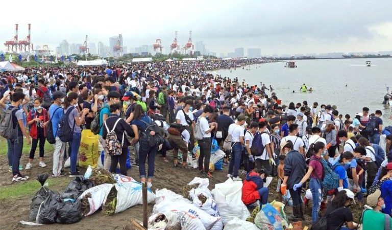 20,000 Participated in the Cleanup of Manila Bay