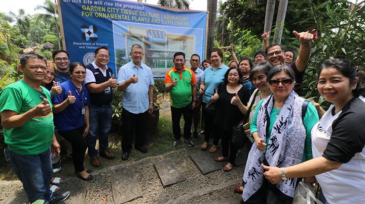 Tissue Culture Laboratory for Ornamental Plants in Bulacan