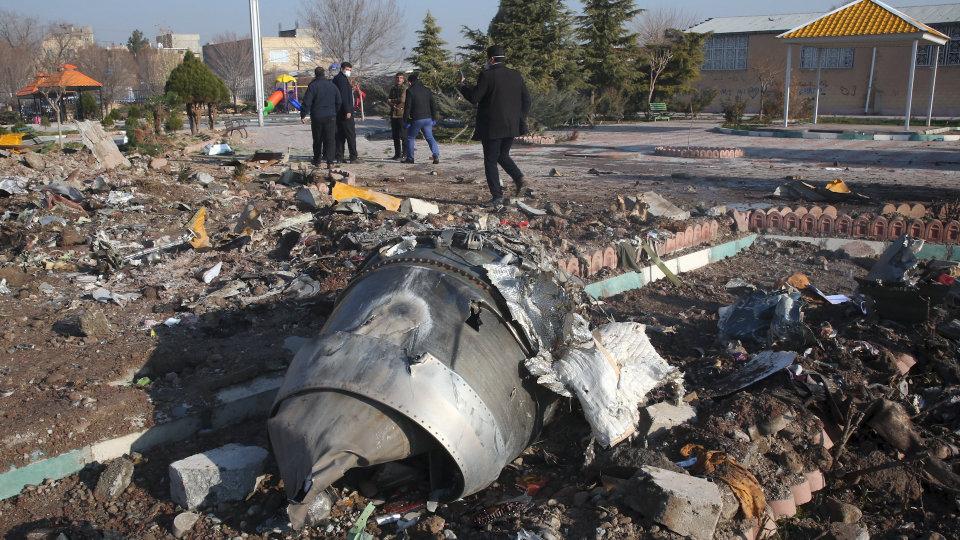 Photo: wsj.com/articles/ukraine-air-boeing-737-crashes-in-iran-11578457714