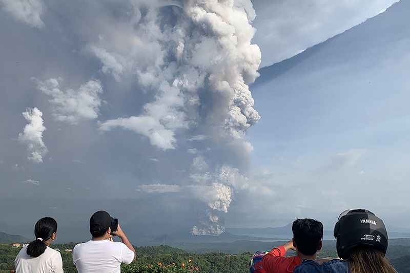 Photo: philstar.com/other-sections/news-videos/2020/01/12/1984207/watch-taal-volcano-spews-plumes-100-meters-high-after-phreatic-eruption