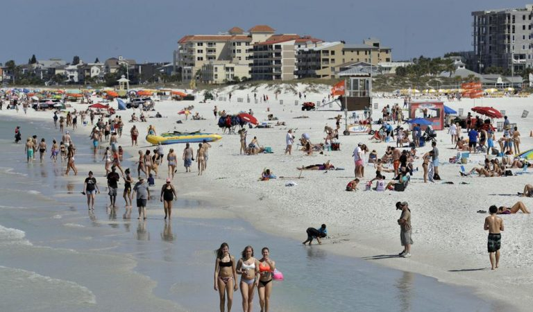 Spring Break Party-Goers in Florida Defied COVID-19 Safety Measures
